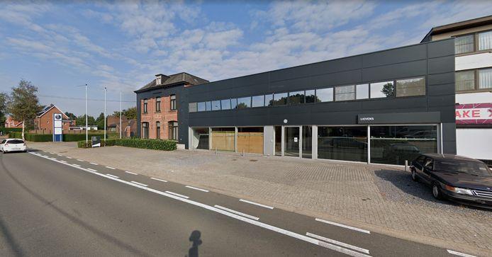 Albert Heijn doet opnieuw een poging om een vestiging te openen op de Molseweg, op de site van de voormalige Seat-garage.