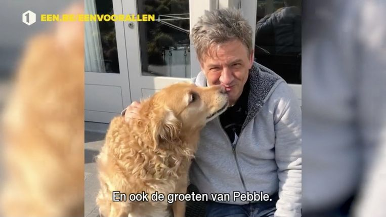 Ook Bart Peeters en Pebble doen de groetjes op Eén. Beeld VRT