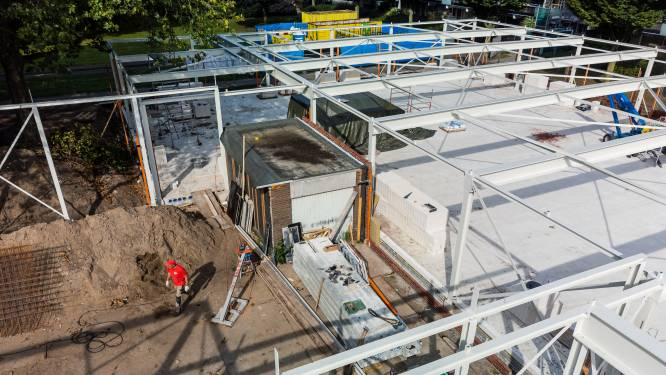 Gevoelige klap in supermarktoorlog; Jumbo mag verder bouwen om garagebox van Gert van de Plus