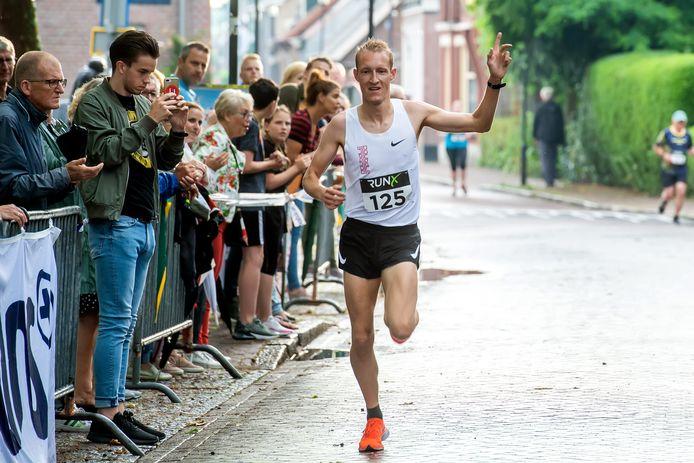 Björn Koreman bij een 5-kilometerwedstrijd in Gilze.