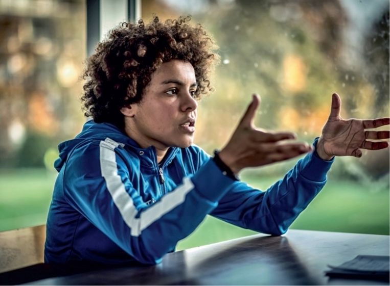 Kassandra Missipo: 'In het vrouwenvoetbal heerst meer respect. Niet alleen voor ras, trouwens, ook voor geaardheid'  Beeld