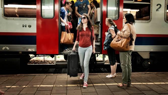 Toegankelijke treinen? Niet de komende dertig jaar: NMBS bestelt opnieuw wagons die niet matchen met perronhoogte
