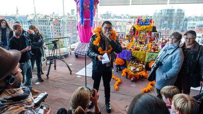 MAS viert Dia de los Muertos met wierook en tequila