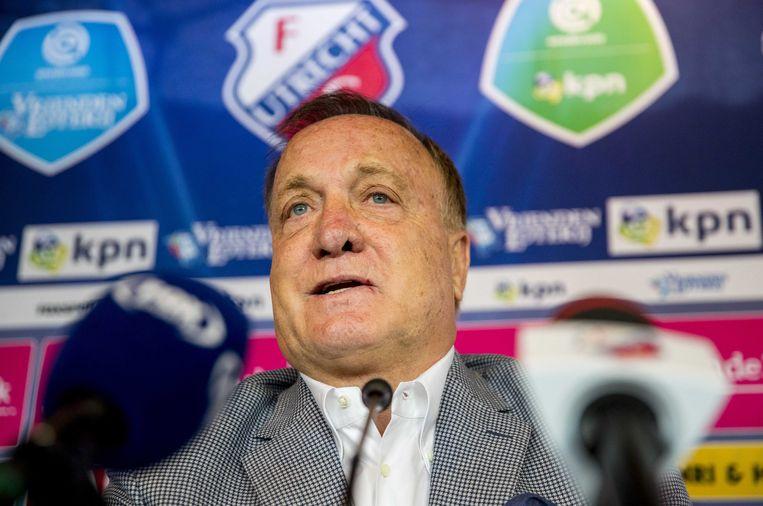 Dick Advocaat tijdens een persconferentie in het Galgenwaard Stadion in Utrecht. Beeld EPA