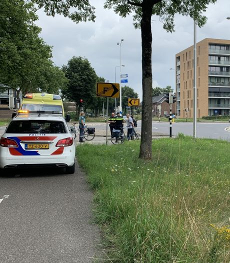 Fietser raakt gewond bij ongeluk met scooter, scooterrijder gaat ervandoor