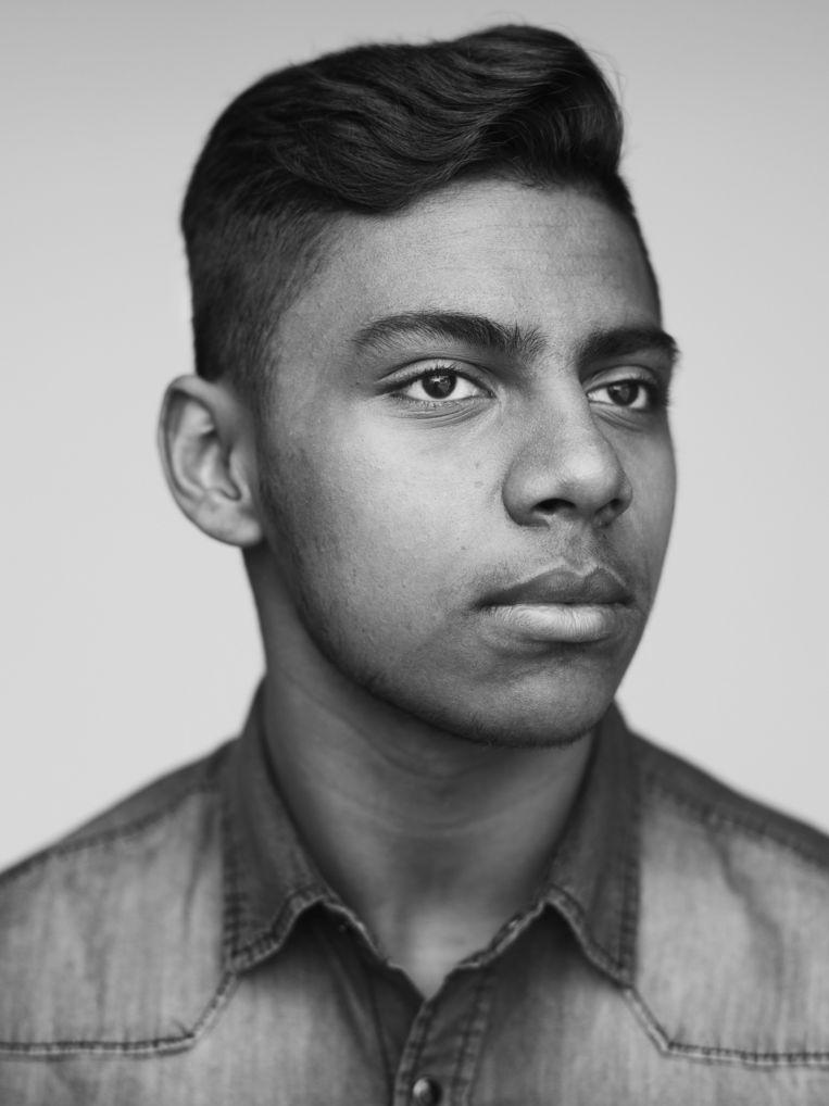 Shican Ramkhewah (16) - Hindoestaans/Surinaams Beeld Stephan Vanfleteren