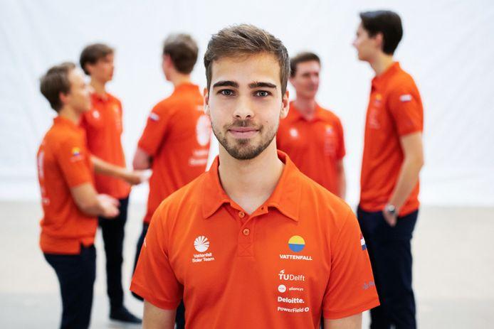 Michel Versteegh (22) zou als lid van het Vattenfall Solar Team met een team van de TU Delft meedoen aan de Amerikaanse Solar Challenge
