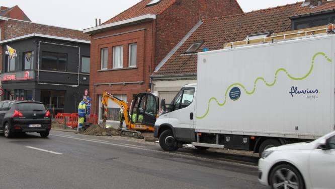 N8 even volledig afgesloten door gaslek bij graafwerken Proximus langs N8 in Wevelgem