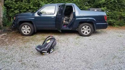 Baby sterft in snikhete auto nadat papa haar vergat
