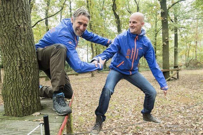 William Segerink (links) en Marcel Benneker van Viteq bij Outdoor Challenge Park.