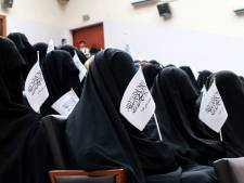 Vrouwelijke studenten Kaboel niet welkom 'tot een islamitische sfeer is gecreëerd'