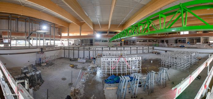 Stedelijk zwembad Aalst in opbouw.