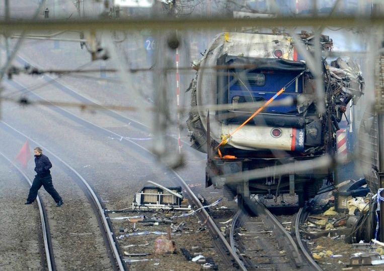 'De stoptrein uit Leuven was veel te oud, met een veiligheidssysteem dat dateert uit 1930, bijna honderd jaar oud dus! Die trein mocht normaal gezien niet meer rijden.' Beeld BELGA