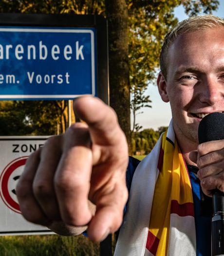 Duo haalt 1800 euro op voor eigen Klarenbeeks dorpslied: 'Hopen dat iedereen het luidkeels meezingt'