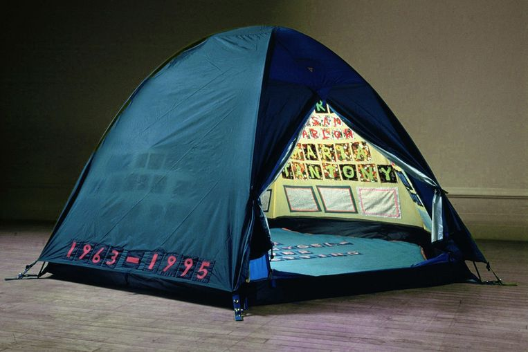 'Everyone I Have Ever Slept With 1963 - 1995'. Beeld rv