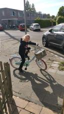 Rachel op de fiets.