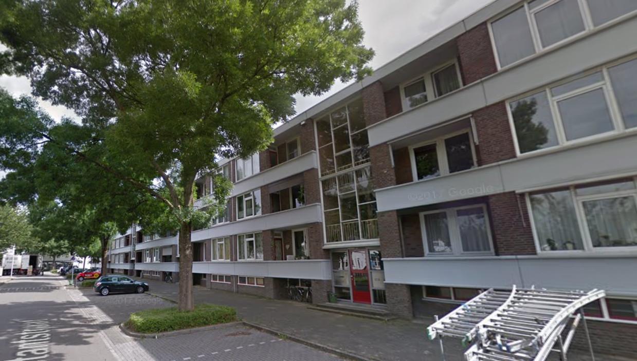 De Maastrichtse wijk Caberg. Dit is niet de flat waar de man en zijn hond zijn aangetroffen.