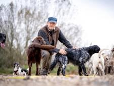 Hondenuitlaatservices in Land van Maas en Waal zitten vol: 'Pups missen de hond-hondgewenning'