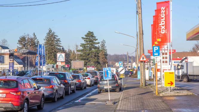 Assesteenweg krijgt mogelijk dit jaar al nieuwe fietspaden tussen Wambeek en E40