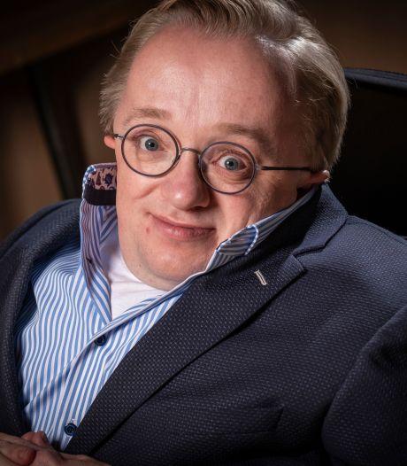 Rick Brink opent nieuwe 'voortuin' van Dalfser gemeentehuis