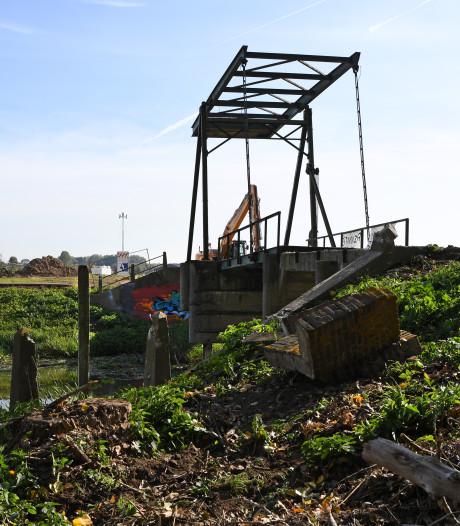 Restauratie van brug Jannezand in Hank uitgesteld