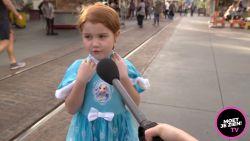 Schattige kinderen geven hun mening over 1 jaar Trump