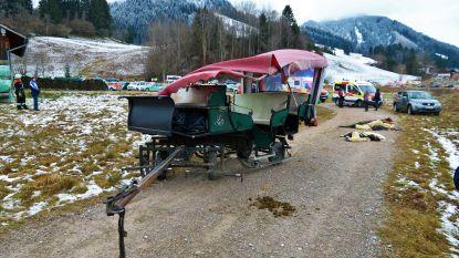 Kerstuitje met paard en kar loopt dramatisch af in Duitsland: zeker 20 gewonden, ook kinderen