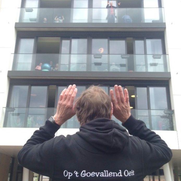 Op't Goevallend Oeit speelt voor begeleidingscentrum en woonzorgcentrum