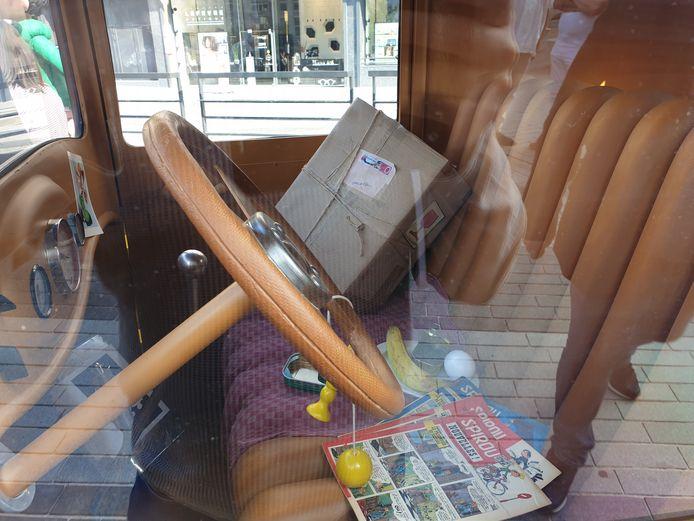 """À l'intérieur de la voiture de Gaston Lagaffe à Charleroi, c'est le """"brol"""""""