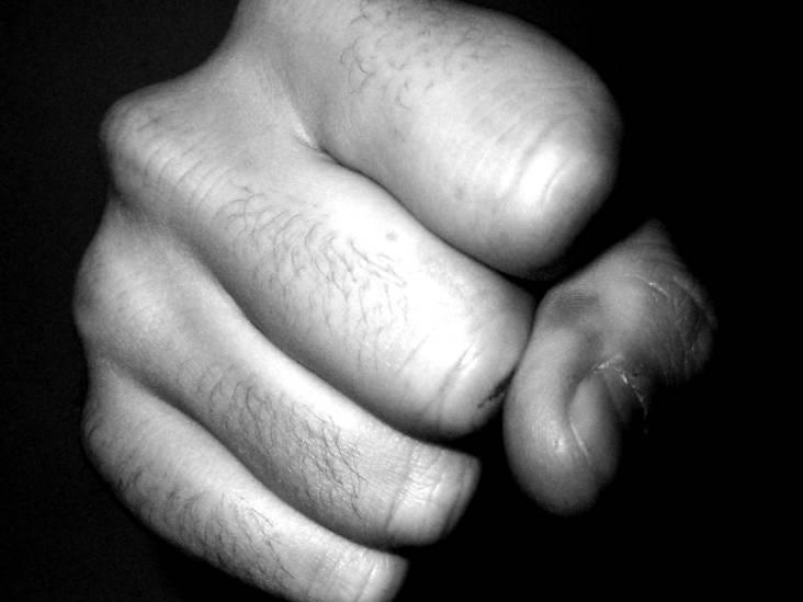 De V. ontkent mishandeling na verkeersruzie of toch weer niet? 'Ik pik dat niet naar mijn vrouwtje'