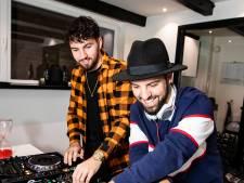 Dj Bombastic en broer beginnen dj-school: 'Als je maar een droom hebt'