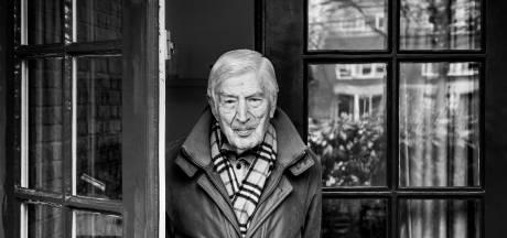 Nijmeegse oud-premier Van Agt verlaat zijn 'onbarmhartige' CDA: 'Ik zeg u vaarwel in treurnis'