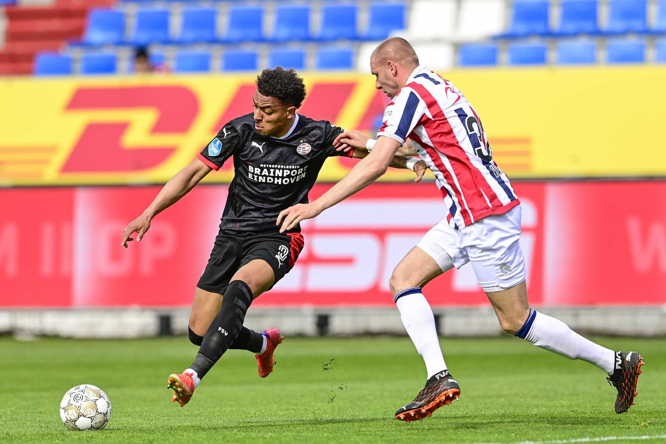 Donyell Malen vorig seizoen in het duel met Willem II.