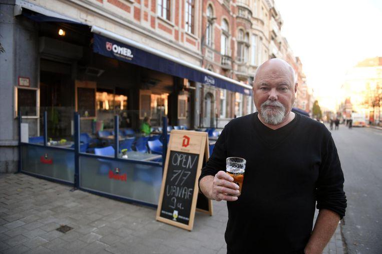 Harry Roekeloos is de nieuwe eigenaar van café Picasso op het Ladeuzeplein.