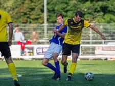 Jordy van Zandwijk, kind van de club, kan dit keer het verschil niet maken voor DKB