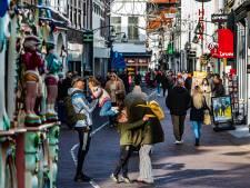 Deventer binnenstad komt met eigen cadeaucard: 'Leuk om te geven en ondernemers te steunen in coronatijd'