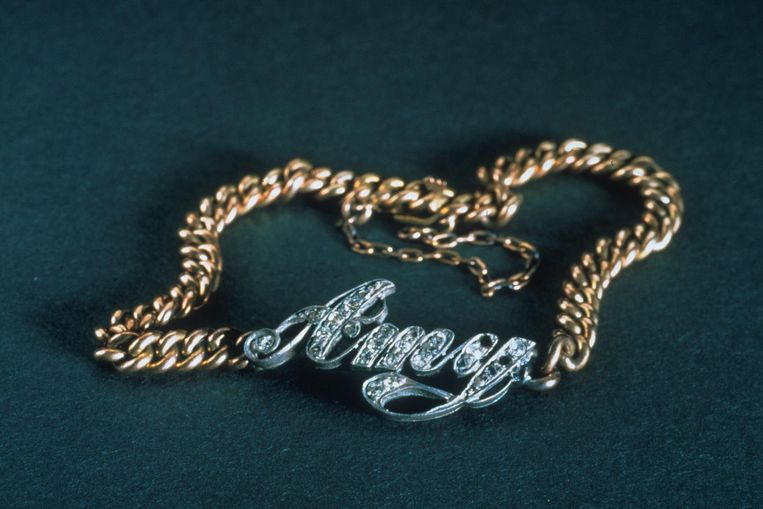 Een armband uit de Titanic Beeld AP