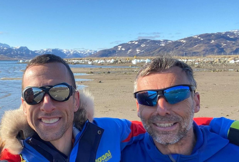 Seb Audy (links) en Dixie Dansercoer voor hun vertrek op Groenland.  Beeld Instagram