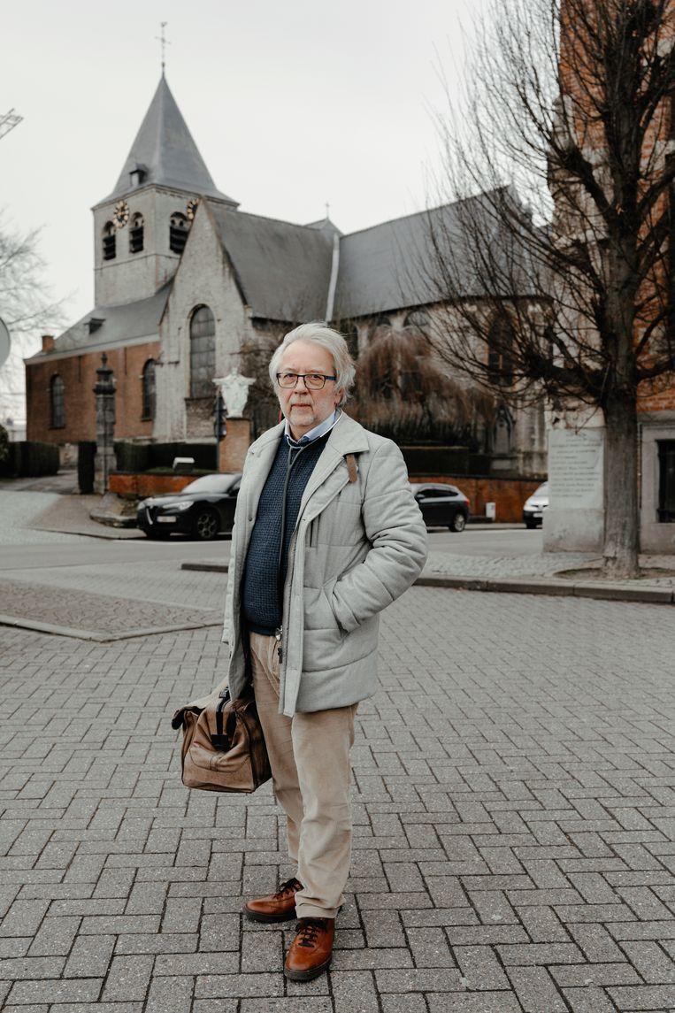 Roland De Schutter, huisarts in Wolvertem: 'Een van mijn patiënten heeft zware diabetes, maar hij durft niet naar het ziekenhuis.' Beeld Damon De Backer