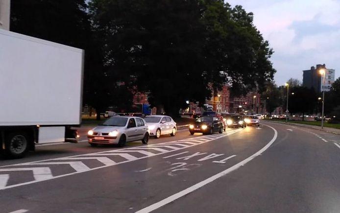 Des embouteillages comme celui-ci, c'est tous les jours, dans le quartier des Vennes, à Liège.