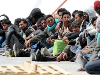 """""""EU-landen moeten vluchtelingen onder elkaar verdelen"""""""