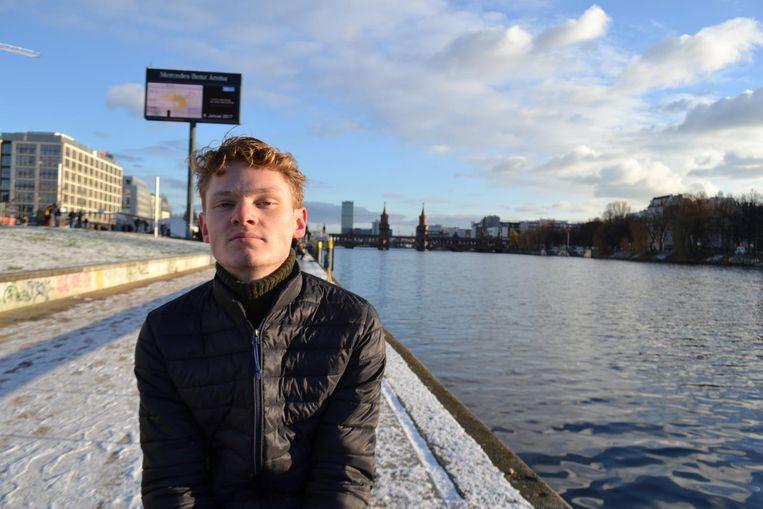 Isa Huipen, doet eindexamen gymnasium. Beeld -