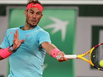 """Rafael Nadal naar halve finales Roland Garros na zege in nachtduel tegen revelatie Sinner: """"Dit speelschema is onbegrijpelijk"""""""