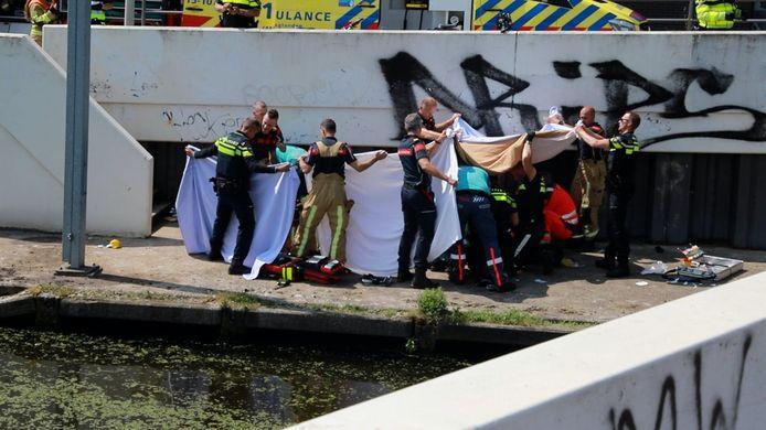 Een omstander en hulpdiensten redden het kind afgelopen dinsdag uit het water.