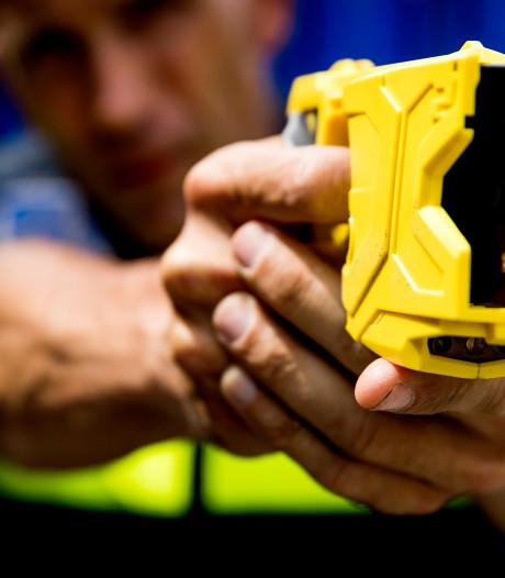 Politieagenten krijgen stroomstootwapen, kabinet stelt 25 miljoen beschikbaar