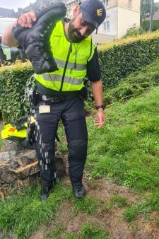 Amersfoortse wijkagent Tuncay hielp in Limburgs noodgebied: 'Wat ik daar zag, gun ik niemand'