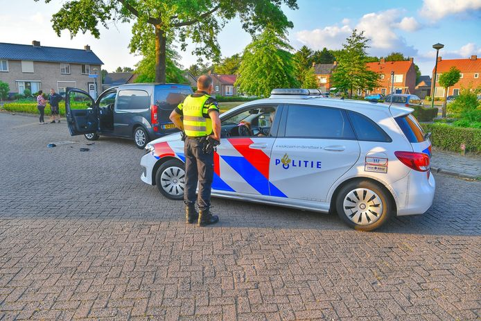 Motorrijder botst tegen auto in Luyksgestel.