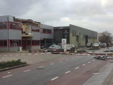 Westerstorm: Dak waait van bedrijfspand in Terborg