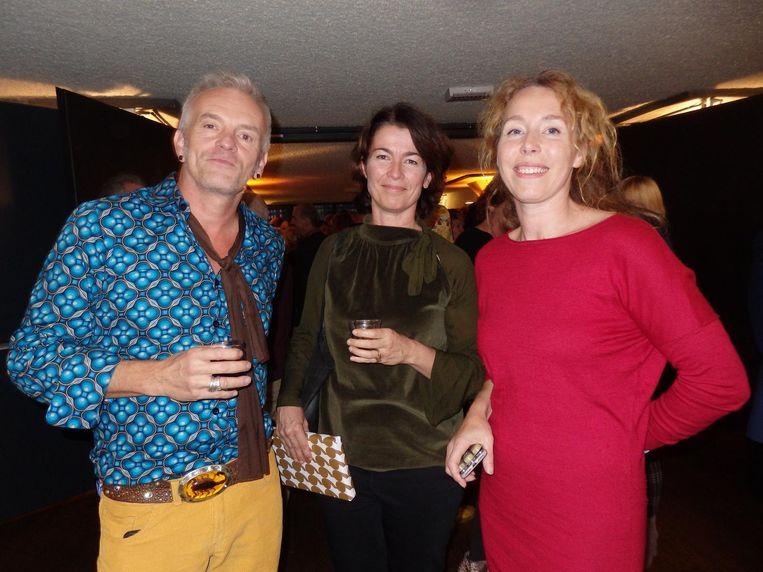 Criminoloog Ton Nabben, Ninette van Hasselt (Trimbos instituut) en Natasja Veenboer (Awakenings) Beeld Schuim