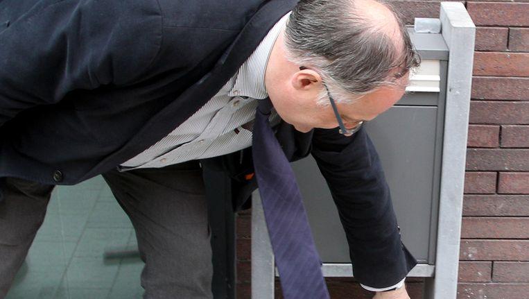 Toen de burgemeester van Zedelgem, Patrick Arnou, opriep om het gestolen geld terug te brengen, werd de postbus van de gemeente gekraakt. Beeld AP